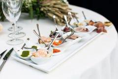 分类开胃菜和手抓食物 免版税库存照片