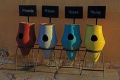 分类收集的垃圾桶 库存照片
