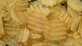 切削起波纹的土豆 影视素材