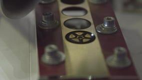 切割工行业激光 雕刻在塑料板材的切割机样式 激光截煤机的截槽在板料的一个样式 影视素材