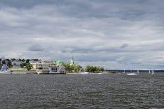 切博克萨雷海湾的图片在Vilga河的 免版税库存照片