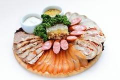 切各种各样的肉快餐 免版税库存照片
