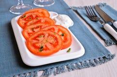 切好的蕃茄开胃菜  免版税库存照片