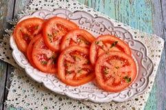 切好的蕃茄开胃菜  免版税库存图片