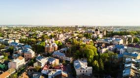 切尔诺夫策,乌克兰- 2018年4月:亚美尼亚教会,从西乌克兰上的切尔诺夫策市 城市的晴天 免版税库存图片