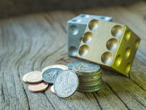切成小方块并且分类了硬币 免版税库存图片
