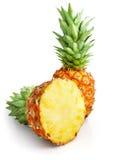 切新鲜水果绿色叶子菠萝 图库摄影