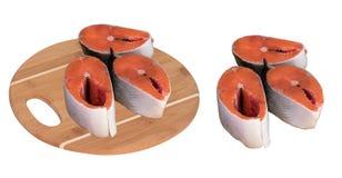 切片在一块砧板的红色鱼 免版税库存图片