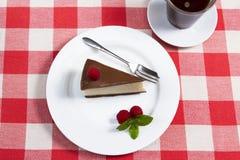 切片巧克力乳酪蛋糕 免版税库存照片