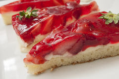 切片草莓蛋糕 免版税图库摄影