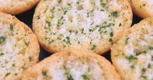 切片鲜美蒜味面包用草本 影视素材