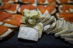切的乳酪用鱼三明治 库存照片