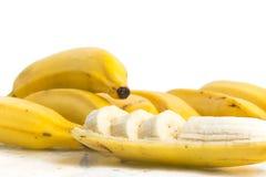 切的新鲜的香蕉 免版税库存照片