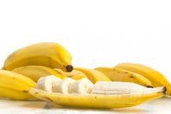 切的新鲜的香蕉 免版税库存图片