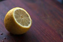 切的柠檬 图库摄影