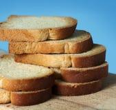 切的白面包 库存图片