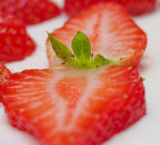 切的草莓 库存照片