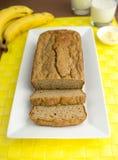 切的香蕉面包 免版税库存照片