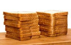 切的麦子面包 免版税库存图片