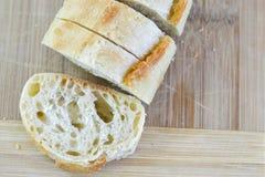 切的Ciabatta长方形宝石大面包 免版税库存图片