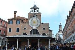 切萨二里奥多圣雅各伯教堂,Vth世纪和威尼斯大石桥桥梁里奥多圣雅各伯教堂教会  免版税库存照片