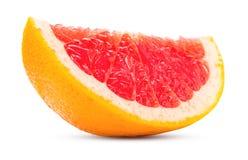 切葡萄柚新鲜在白色隔绝的柑桔和水多 免版税库存图片