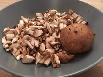切蘑菇 免版税库存照片