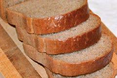 切黑麦面包 库存图片