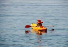 划皮船在度假 图库摄影