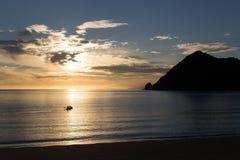 划皮船在日出在亚伯塔斯曼国家公园 库存图片