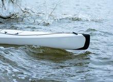划皮船在河的冬天在乌克兰04 免版税库存照片