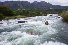 划皮船的河行动 库存图片