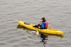 划皮船的海洋 库存图片