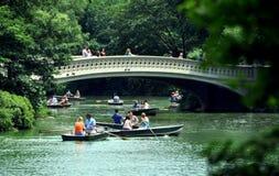 划船中央湖nyc公园s 图库摄影