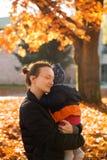 系列在秋天公园 库存图片