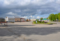 列宁广场在市Novogrudok 迟来的 免版税库存照片