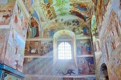 列宁格勒地区,俄罗斯, 2015年9月, 13日, Svyatotroitsky亚历山大Svirsky修道院,三位一体的壁画的片段 免版税图库摄影