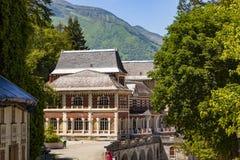 列斯Eaux-Bonnes,山温泉渡假胜地在法国比利牛斯 免版税库存图片
