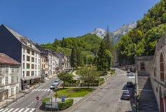 列斯Eaux-Bonnes,山温泉渡假胜地在法国比利牛斯 库存照片