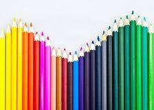 列阵五颜六色的铅笔 免版税图库摄影