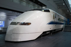 300系列Shinkansen火车在日本 免版税库存照片