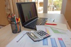 创造一个家庭企业计划 如何写经营计划 免版税库存照片