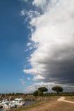 创造剧烈的天空的接近的风暴前面 库存图片