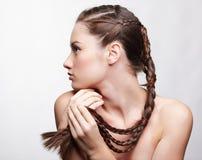 创造性执行女孩头发 免版税库存照片