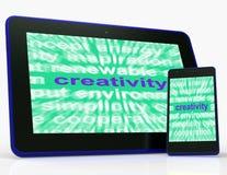 创造性片剂显示独创性、创新和想象力 库存图片