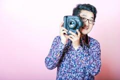 创造性的亚裔摄影师 免版税库存照片