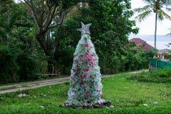 创造性的原始的圣诞树 免版税库存图片
