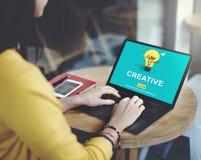 创造性的想法想象力启发电灯泡概念 免版税库存照片