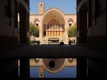 创造性的独特的能承受的建筑学在传统伊朗宫殿 免版税库存照片