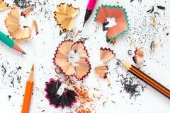 创造性颜色铅笔和木片的概念图象 免版税库存照片